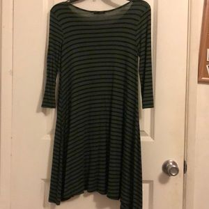 Socialite Dresses - Green and black striped t-shirt dress 🌟
